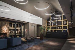 De lobby van Hotel Brinkzicht en Restaurant en Bowling Het Meer in Vledder