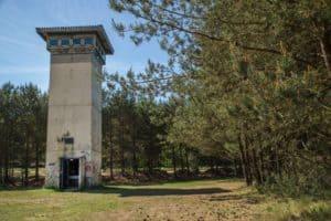 Monumentale toren voormalige Amerikaanse basis Darp